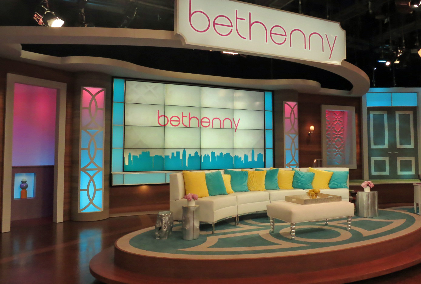 tv-lighting-design-bethenny-1